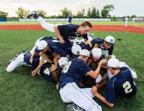 Kettle Moraine wins 2013 sectional final